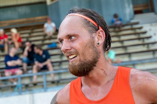 Björn Sandler sprang personligt rekord på 3 000 meter i Alavo.