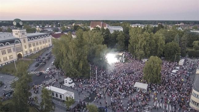 Festivalen förväntas bli lika fartfylld som tidigare år. Frivilliga ordningsvakter efterlyses av Finn Jakobstad.