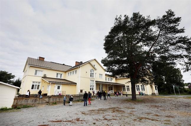 En del av Hankmo skola ska anpassas för yngre barn.