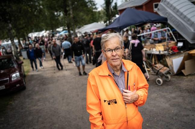Arrangören Dage Groop ser Juthbacka marknad som mer än en marknad. – Folk kommer för att umgås.