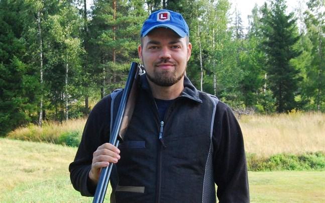 All tävling är träning för jakten. Jakt och skytte är en helhet. Så ser Ronnie Skata på jaktskyttet.