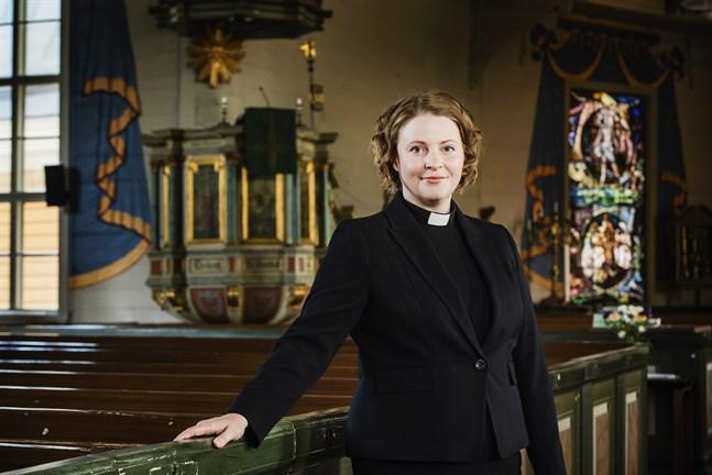 Mia Anderssén-Löf modererar kvällens paneldiskussion.