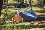 I helgen är det dags att slå upp tältet och sova ute.