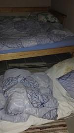 Christina, Henrik och Kajsa sov gott på balkongen i Kivilös, Jakobstad inatt.