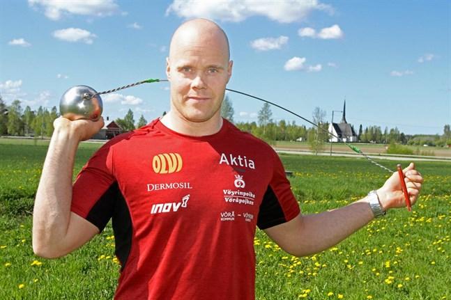 David Söderberg fortsätter kasta slägga minst en säsong till.