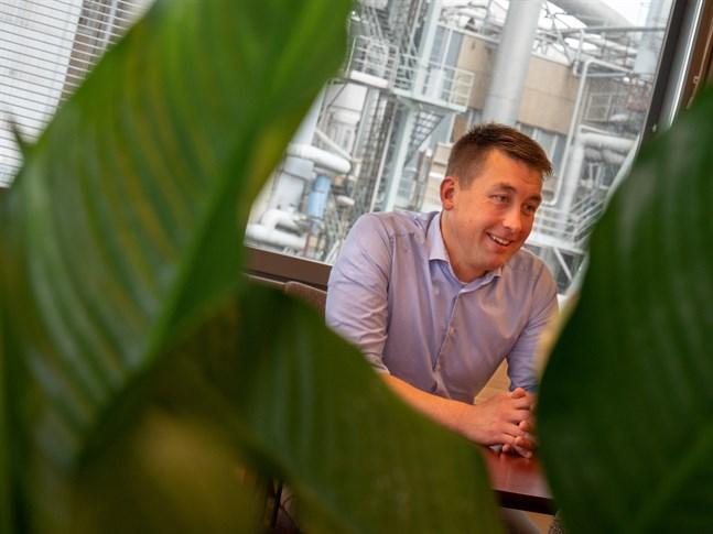 Simon Fagerudd är fabriksdirektör på UPM i Jakobstad.