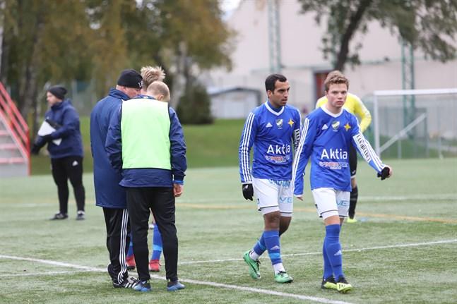 Vasa IFK höll upp hoppet ända till slutet. Efter att domaren blåst av matchen höll lagledningen koll på Tampere Uniteds Youtube-sändning från matchen mot KuFu 98. En match som slutade 1–1.