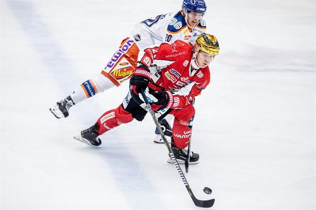 Joel Kiviranta spelade i Sport så sent som säsongen 2018–19. Efter det har karriären pekat spikrakt uppåt.