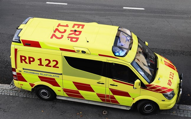 Personen fördes till sjukhuset.