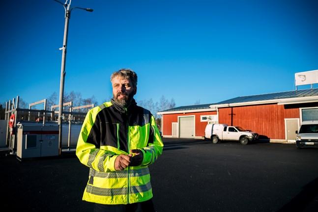 Anders Kronholm, ordförande för Vestersundsby delägarlag, anser att vattenområdena utanför Ådön redan är hårt belastade.