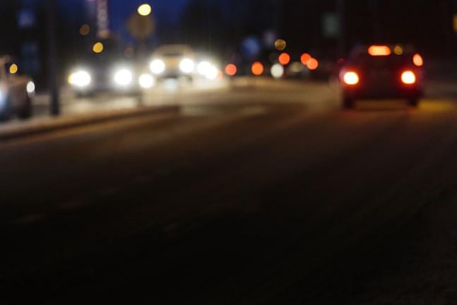Bilbeståndet i Finland blir bara äldre. En nyare bilpark skulle förbättra trafiksäkerheten och minska utsläppen.