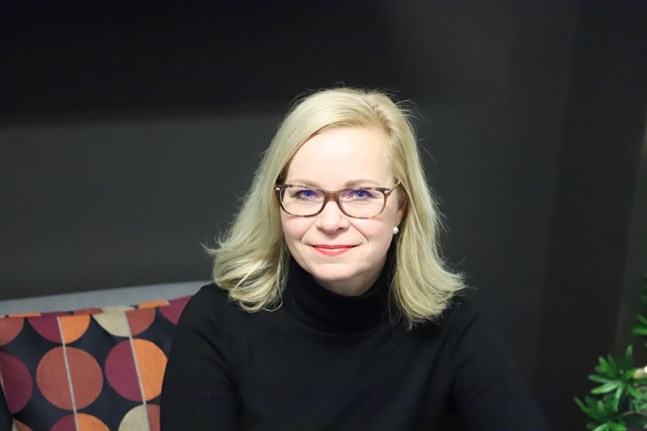 Anu Norrgrann är forskardoktor i marknadsföring på Svenska handelshögskolan i Vasa. Hon säger att det märks att många blir allt mer miljömedvetna.