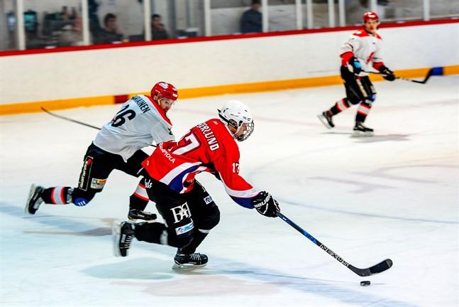 Linus Vesterlund gjorde MuIK Hockeys 4–7 reduceringsmål.