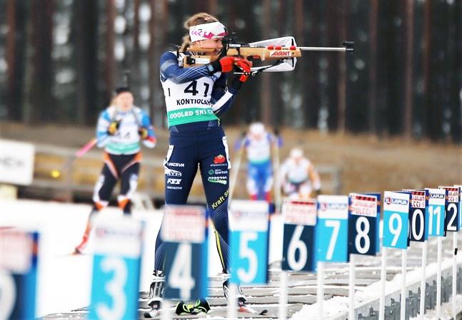 Heidi Kuttinen klarade sig undan straffrundor i stafetten. I stående skytte fällde hon alla tavlor utan att använda reservskott, i liggande skytte använde hon ett reservskott.