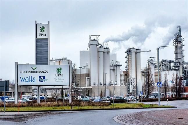 UPM är medlem i arbetsgivarorganisationen Skogsindustrin som meddelat att de inte längre förhandlar om allmänt bindande kollektivavtal för branschen.