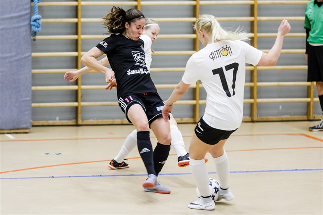 FC Sports Pipsa Lahtinen är en av FM-ligans bästa spelare.