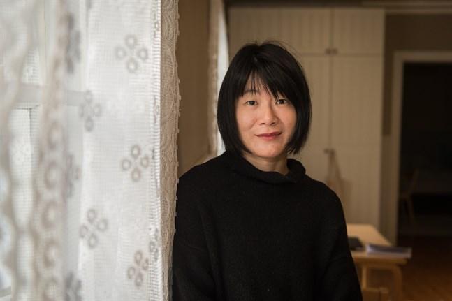 Konstnären Fei Li är bosatt i USA. Under november månad har hon bott i Karleby, vid Drake Arts Center.