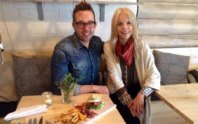 Saul och Karin Mäenpää.