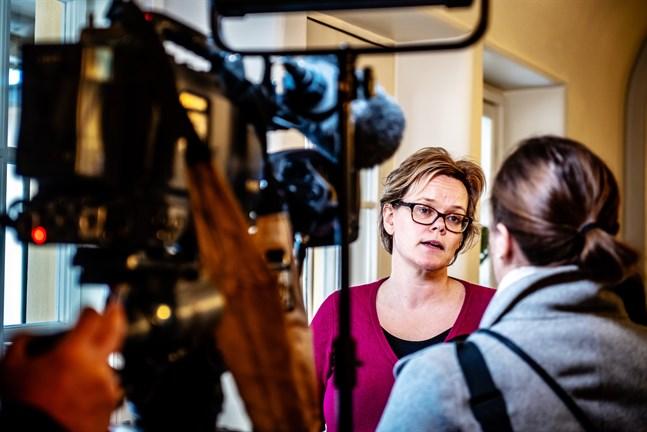 Pia Maria Sjöström, tf social- och hälsovårdsdirektör, hade fullt upp för ett drygt år sedan då ett mässlingsfall uppdagades i Larsmo.
