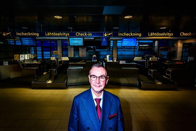 Professor Jorma Mäntynen har suttit i arbetsgruppen som grubblat på framtidens regionalflyg i Kvarkenområdet.