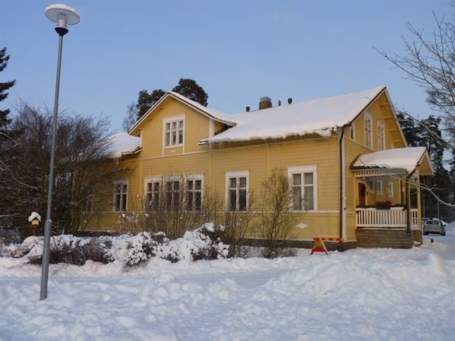 Påras skola är byggd 1896 och har en våningsyta på 353 kvadratmeter.