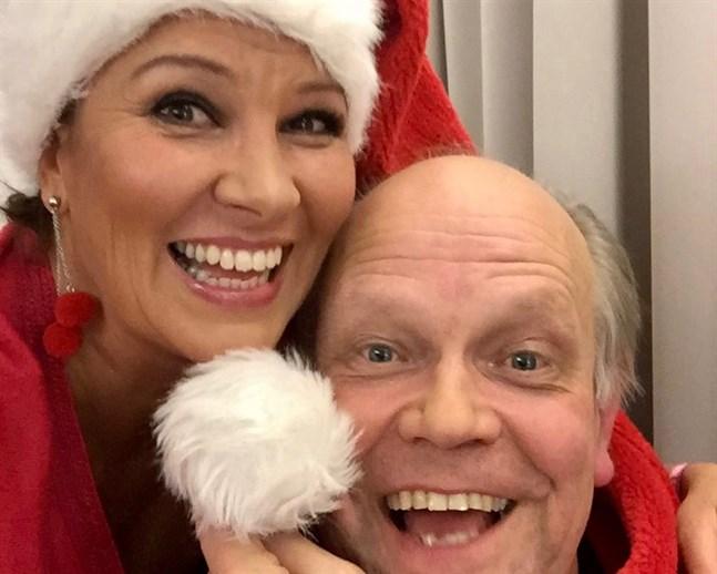Arja Koriseva och Raimo Vertainen känner varandra sedan studietiden och har uppträtt tillsammans tidigare, men aldrig under en julkonsert. Det blir något nytt för dem.