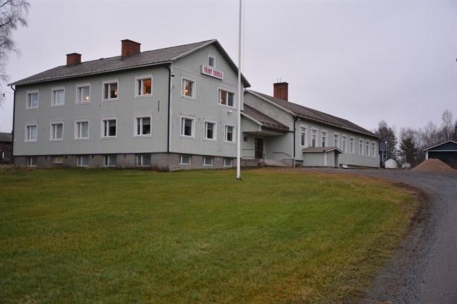 En konditionsgranskning av före detta Töjby skola ska göras innan beslut tas om skolbyggnadens framtida öde.