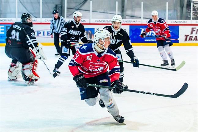 Joachim Sundsten är tillbaka i IFK Lepplax och hans snabba rör kan säkert behövas i vinter.
