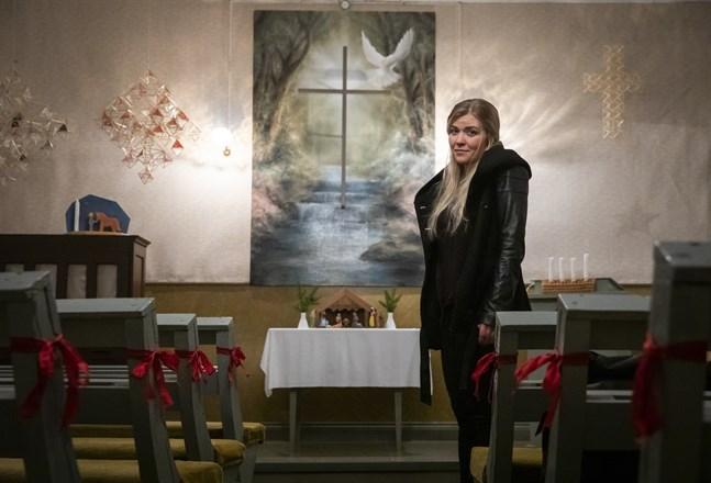 Susanne Remahl målade altartavlan till Älvbyarnas kyrka.