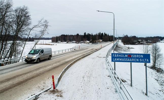Fårholmsbron har öppnats för trafik. 21.10.2018.