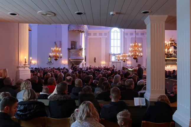 Det blir ingen trängsel på söndag när antalet gudstjänstbesökare begränsas till 50 inom Vasa sjukvårdsdistrikt.