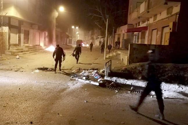 Indien protesterna sprider sig