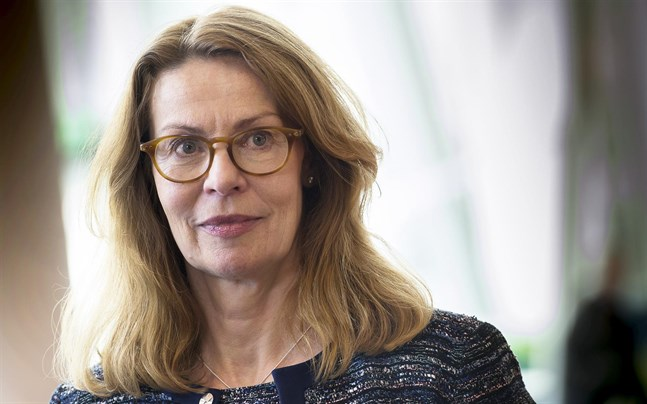 Birgitte Bonnesen är vd för Swedbank som nu höjer vissa av sina bolåneräntor.