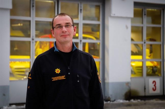Krister Fogelberg säger att räddningsverket allt oftare får rycka ut för att hjälpa andra myndigheter.