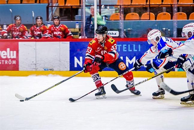 Jesper Ahlgrens 5-3-mål i tom kasse punkterade matchen och Hermes tog tre viktiga poäng.