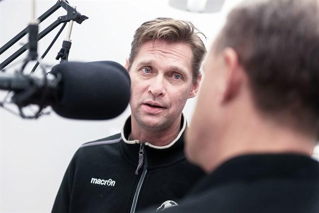 Jarotränaren Niklas Käcko gästar Fotbollspodden.