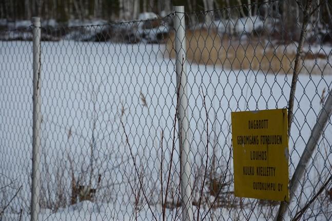 Outokumpu stängde blygruvan i Korsnäs i början på 1970-talet. Nu undersöker bolaget SES Finland förekomsten av grafit i Korsnäs.