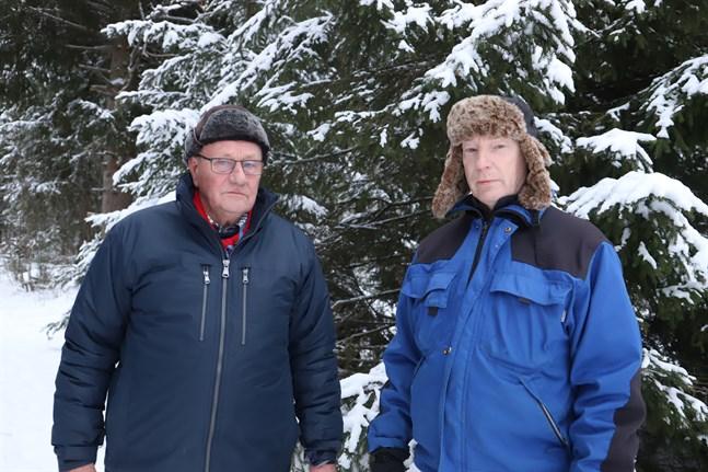 Sture Södergran och Jan-Ola Granholm funderar allvarligt att för andra året i rad ställa in Korsnässcouternas utehajk. De tvekar om de ska våga ta ansvaret för drygt 30 barn som sover under bar himmel.