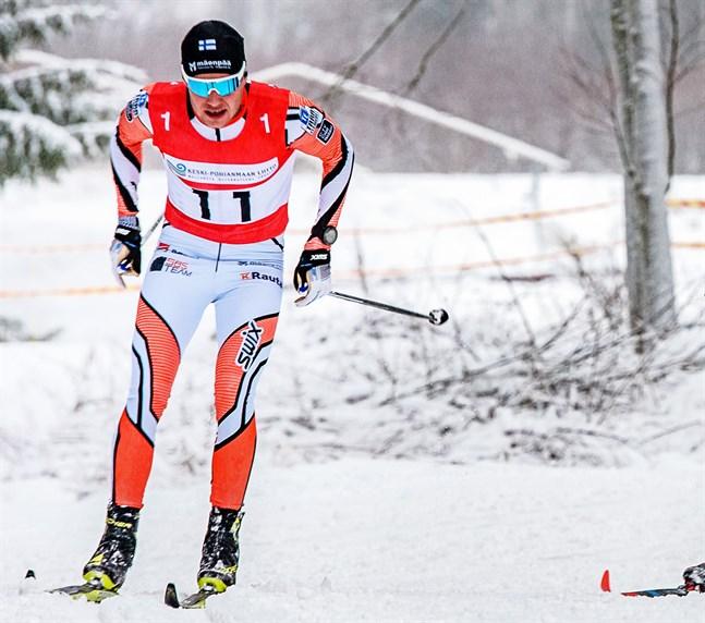 Viktor Mäenpää drabbades av ett stavbrott i söndagens lopp i Italienska Livigno.
