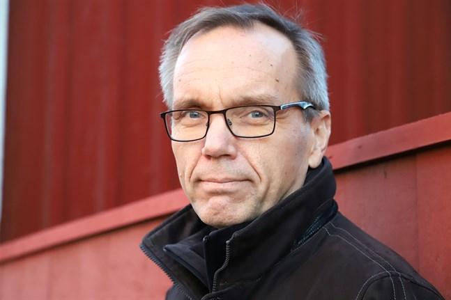 Biskop Björn Vikström har besökt Kristinestad med anledning av den homodebatt som satt känslor i svall.