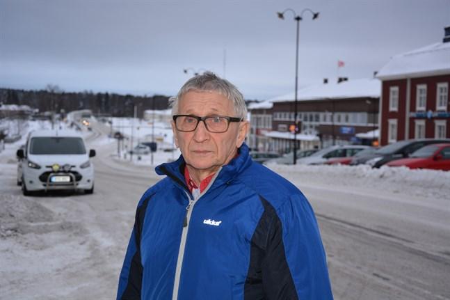 Nye ordförande för vård- och omsorgsnämnden, Christer Rönnlund kastades in i hetluften omedelbart i och med Esperi Care-skandalen.