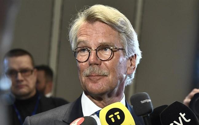 Björn Wahlroos, Nordeas styrelseordförande, slutar. Han fyller 67 år i höst.