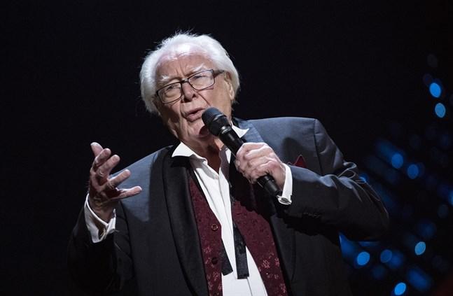 Jan Malmsjö hade en del problem och glömde texten under fredagens genrep.