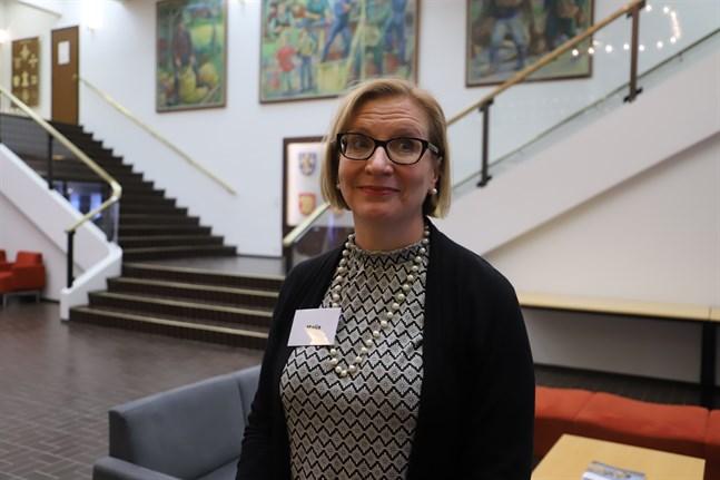 Maija Setälä, professor på Åbo universitet, leder projektet med medborgarrådet i Korsholm.