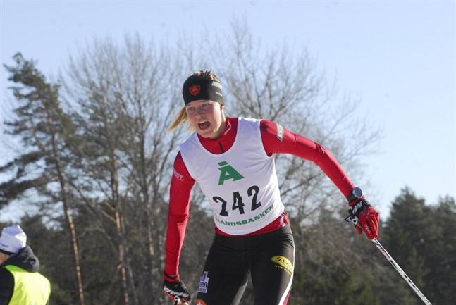 IF Åsarnas Jennie Lindvall inledde säsongen med en tävling i supersprinten i Östersund. Premiären gick bättre än väntat.