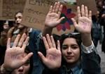 Också i Aten demonstrerade ungdomar.