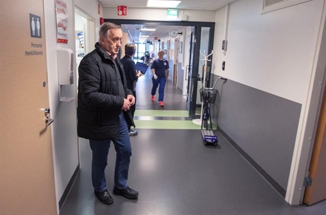 Det är högst oklart vad samarbetsförhandlingen leder till, men Hans Frantz oroar sig för coronalägets effekt på ekonomi. Arkivbild från centralsjukhuset.