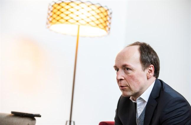 Sannfinländarnas ordförande Jussi Halla-aho säger att han under sina besök i Svenskösterbotten stött på färgade bilder och missuppfattningar om partiets inställning till svenskspråkiga.