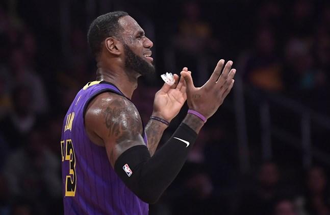 Los Angeles Lakers superstjärna LeBron James under förlustmatchen mot Brooklyn Nets.