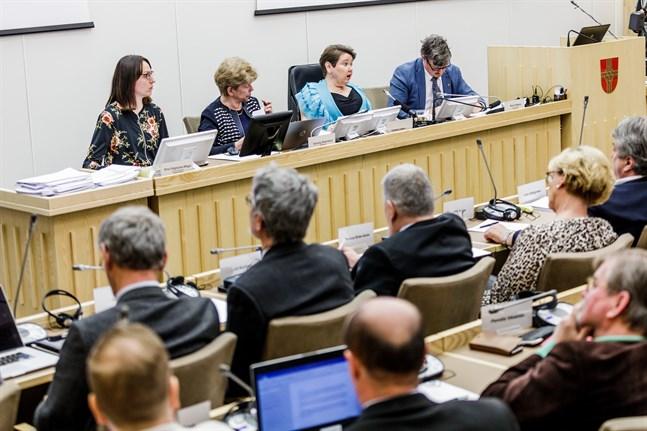 Den 23 maj ska kommunfullmäktige i Korsholm utse en ny kommunstyrelse.